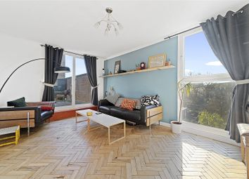 Doughty Court, Prusom Street, London E1W. 3 bed flat for sale