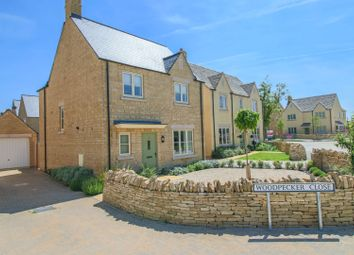 Thumbnail 4 bed detached house for sale in Woodpecker Close, Bourton