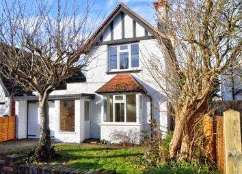 Thumbnail 3 bed detached house to rent in Dedmere Road, Marlow