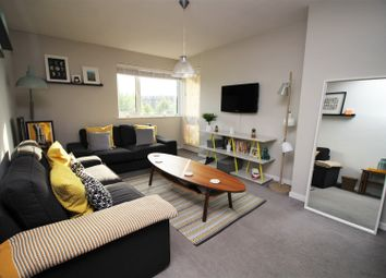 Thumbnail 2 bed flat for sale in 160 Oakleigh Road South, New Southgate