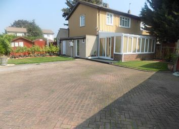 3 bed property to rent in Stormount Drive, Hayes, Middlesex UB3