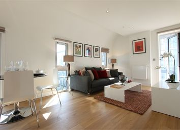 Thumbnail 2 bed flat to rent in Wellington Street, London