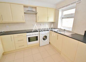 Thumbnail Flat to rent in Ashurst Drive, Ilford