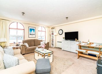 Andes Close, Southampton, Hampshire SO14. 3 bed flat