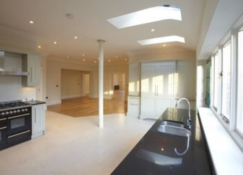 Thumbnail 5 bed town house to rent in Ashfield House, College Court, York