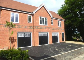 Thumbnail 2 bed maisonette to rent in Vicarage Mews, Maidenhead
