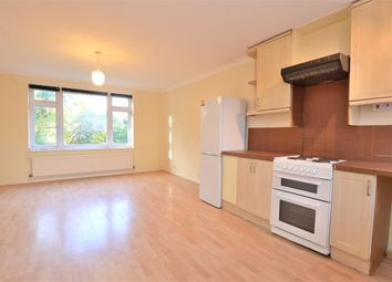 2 bed maisonette to rent in Burnside Close, Barnet, Herts EN5