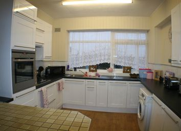 Thumbnail 2 bed flat to rent in Hamlet Court Road, Westcliff-On-Sea