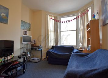 Thumbnail 2 bed flat to rent in Kenwyn Road, Clapham