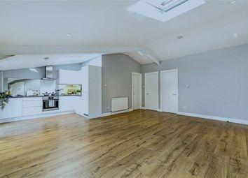Thumbnail 2 bedroom flat to rent in Oak Lane, Twickenham