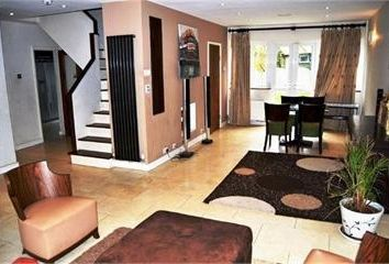 Thumbnail 4 bed detached house to rent in Abercorn Road, London