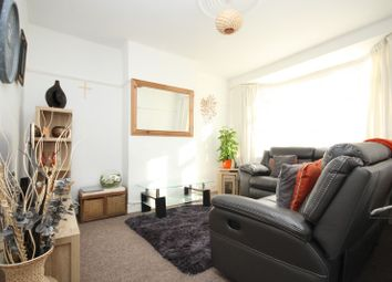 Thumbnail 3 bed property to rent in Lee Avenue, Romford