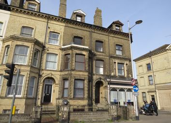 2 bed flat to rent in London Road South, Lowestoft NR33