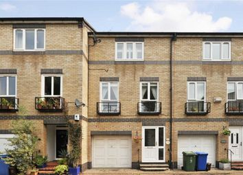 Thumbnail 4 bed flat to rent in Cookham Crescent, London