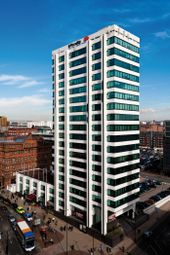 Serviced office to let in Piccadilly, Manchester M1