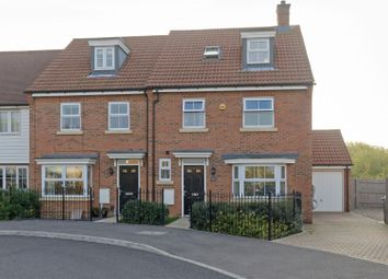 4 bed town house to rent in Crossways, Sittingbourne ME10