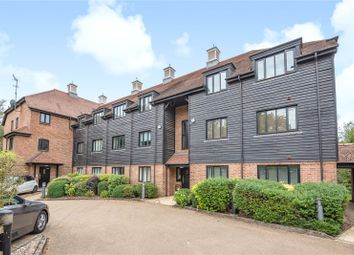 Willow Court, Springwell Lane, Rickmansworth, Hertfordshire WD3. 2 bed flat
