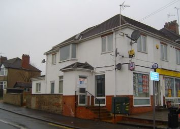 Thumbnail 2 bed flat to rent in Flat 2, 133 Cape Road, Warwick