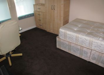 Thumbnail 6 bed terraced house to rent in Grange Avenue, Reading, East, University, Tvp, A329M