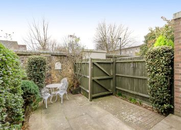 Thumbnail 2 bedroom property for sale in Francis Close, Canary Wharf