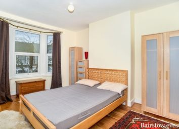 Thumbnail 3 bed flat to rent in Leybourne Road, London
