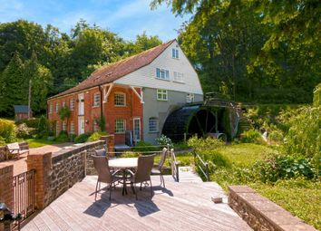 Thumbnail 6 bed detached house for sale in Hayle Mill Road, Maidstone