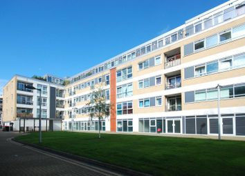 Thumbnail 2 bed flat to rent in Richmond Road, London Fields