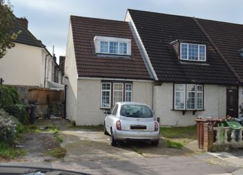 Thumbnail 3 bed flat to rent in Donne Road, Dagenham