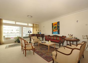 Thumbnail 4 bedroom flat to rent in London House, St Johns Wood NW8,