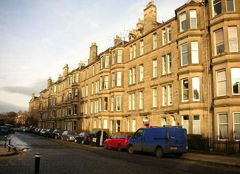Thumbnail 2 bed flat to rent in Comely Bank Avenue, Edinburgh