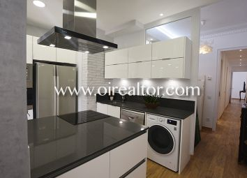 Thumbnail 3 bed apartment for sale in Sant Antoni, Barcelona, Spain
