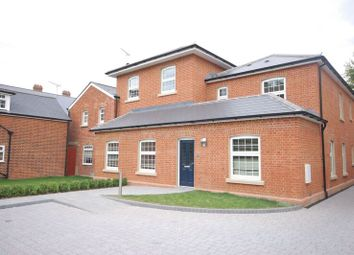Thumbnail 1 bed flat to rent in Brownlow Road, Reading