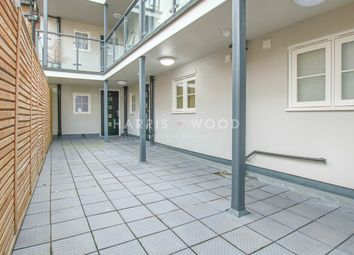 Thumbnail 1 bed flat to rent in Broomfield Road, Chelmsford