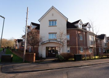 2 bed flat to rent in Guillemont Fields, Farnborough GU14