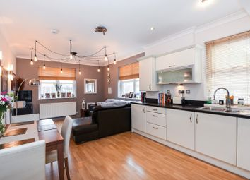 Thumbnail 1 bedroom flat for sale in London Street, Reading