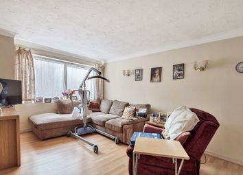 Thumbnail 1 bedroom flat for sale in Friern Park, London