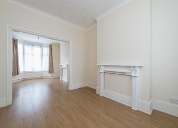 3 bed terraced house to rent in Inverine Road, London SE7