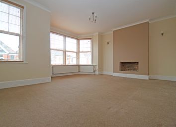 Thumbnail 2 bedroom flat to rent in Princes Avenue, Finchley Central
