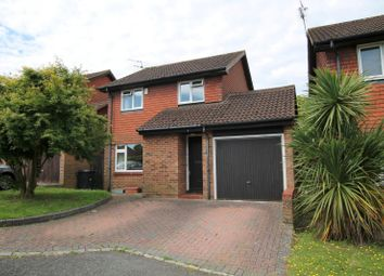 Thumbnail 3 bedroom detached house to rent in Alloway Close, Woking