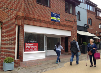 Thumbnail Retail premises to let in Unit 4, St Martin's Walk, Dorking, Surrey