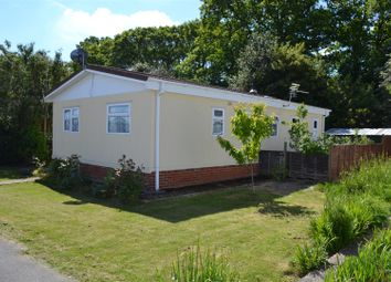 Thumbnail 3 bedroom mobile/park home for sale in Beech Close, Crookham Common, Thatcham