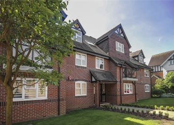 3 bed flat for sale in Gerard Court, Hitherfield Lane, Harpenden, Hertfordshire AL5