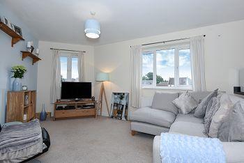 2 bed flat for sale in Swaledale Road, Warminster BA12