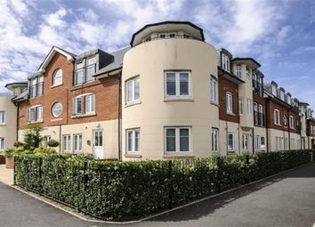 2 bed flat to rent in Beckingham Metro Station Road, Egham TW20
