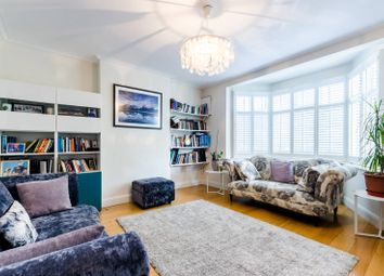 4 bed property to rent in Elm Walk, Raynes Park, London SW20