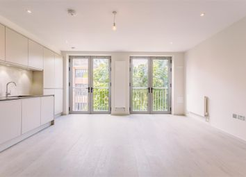 Thumbnail 2 bedroom flat to rent in Fonthill Road, London