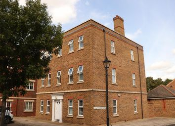 Thumbnail 2 bedroom flat for sale in Knightsbridge Place, Fairford Leys, Aylesbury, Buckinghamshire