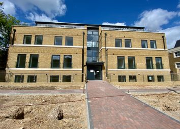 Thumbnail 2 bed flat to rent in Darnley Road, Gravesend