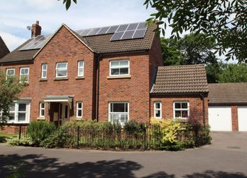 Thumbnail 4 bedroom detached house for sale in Bilberry Gardens, Mortimer