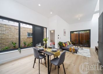 Stroud Green Road, London N4. 2 bed detached house